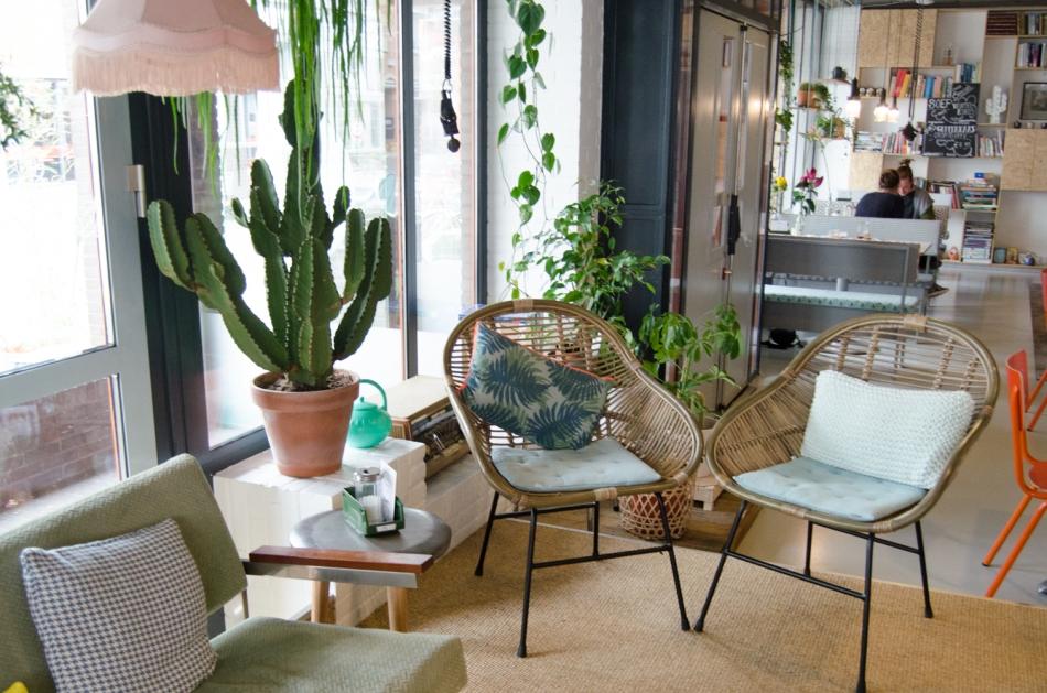 Hotspot Enschede STOET zithoek stoeltjes