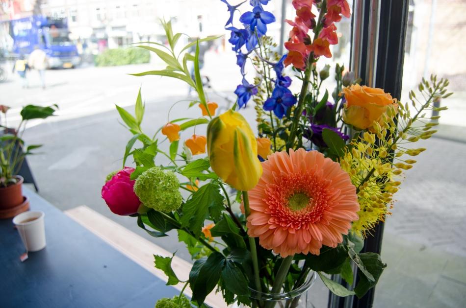 Hotspot Utrecht Juuls Hummus flowers